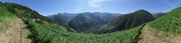 Panorama sur la Haute Vallée d'Aspe depuis le Quartier Aubise