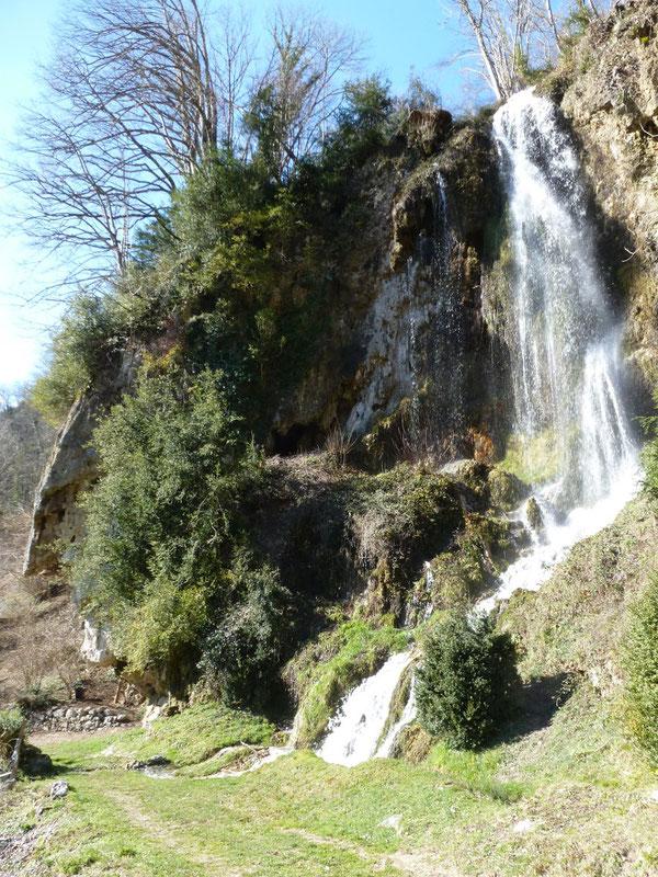 À la fonte des neiges, la Roche qui Pleure est une féérie !