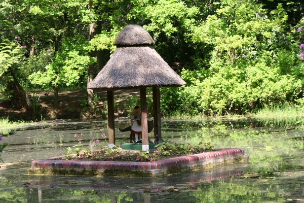 Märcheninsel im Berumerfehner Wald