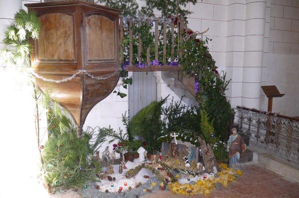 Crèche église de Curac, réalisée par les enfants de la commune