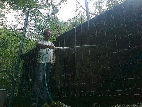 25 agosto, zio Leopoldo prepara il cappotto per l'esterno della casina di pietra