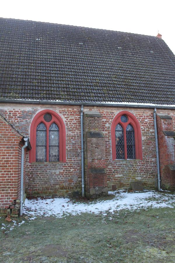 Die Dorfkirche von Netzelkow ff.