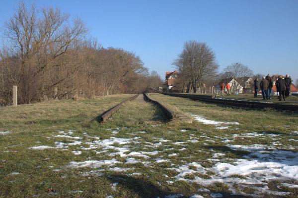 Die alten Gleise ins Nichts.