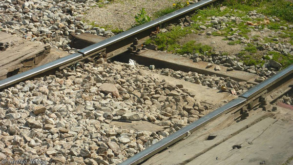 Übergang zum Bahnsteig (Juni 2007)