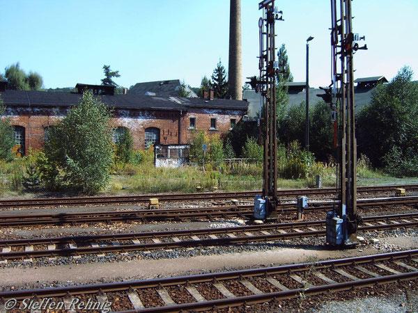 Langhaus und Rundhaus (September 2004)