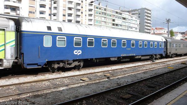 Modernisierter U-Hansa Schlafwagen 61 94 71-70 002-8 des Süd Express
