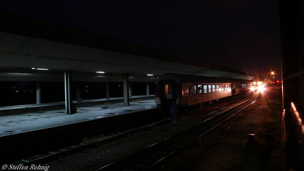 Abends ca. 20 Uhr längerer Aufenthalt in Sofia ....