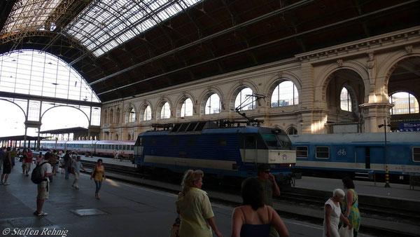 "350 020-4 nach Ankunft mit EC 171 ""HUNGARIA"" in Budapest Keleti (Juni 2007)"