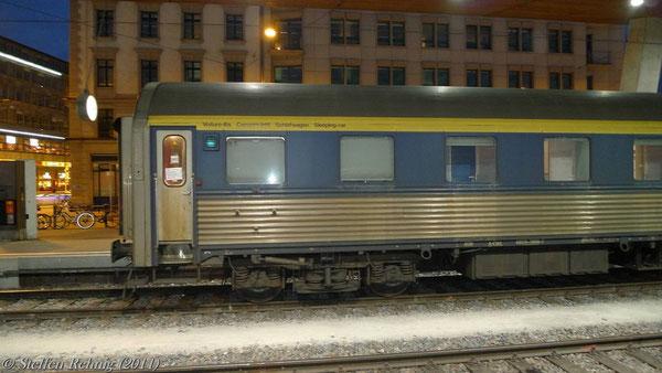 """ex. CIWL - Schlafwagen (ÖBB WLABmz61) 618170-70 010-7 (CIWL 4538) Zürich - Graz im EN 465 """"Zürichsee"""" in Zürich Hbf (März 2011)"""