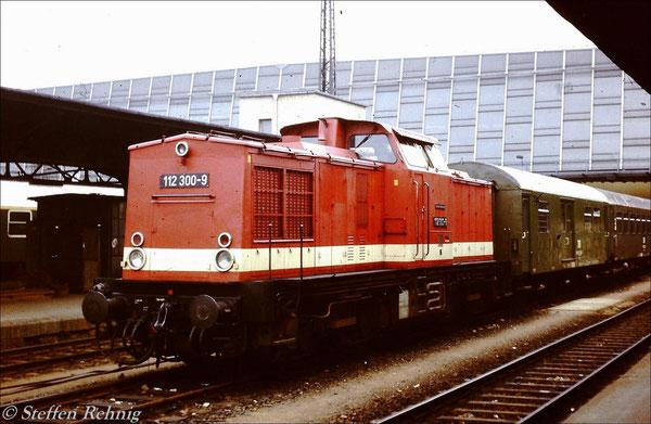 BR 112 300-9 in Karl-Marx-Stadt Hbf (1984)