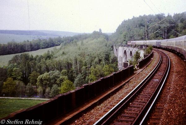 D 965 von Plauen nach Görlitz auf dem Hetzdorfer Viadukt (1984)