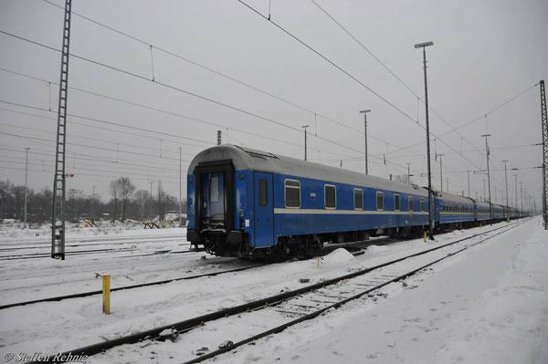 Kurswagen Basel - Minsk, WLABmee 62 21 71-90 238-1 in Berlin Grunewald (4. Januar 2011)