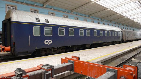 U - Hansa Schlafwagen 61 94 71-70 004-4 der CP in Santa Apolonia