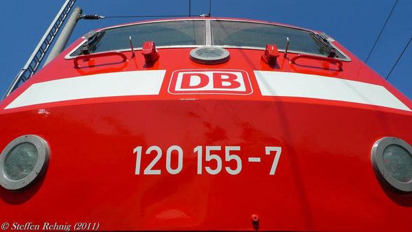 120 155-7 mit Neulackierung und frischer Revision in Nürnberg (20. Mai 2011)