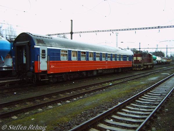 RZD-Schlafwagen KARLOVY VARY - MOSKVA abgestellt in Karlovy Vary (16.April 2006)