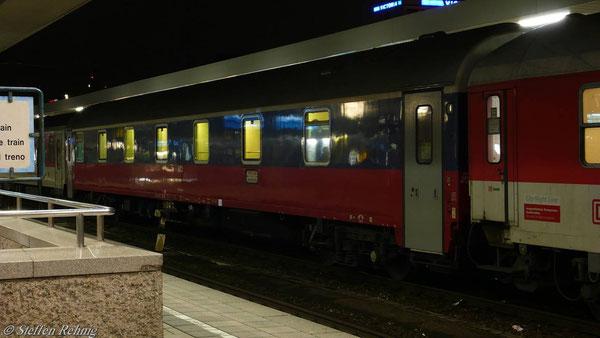 RZD Schlafwagen München - Moskau (D 50482) im CNL 482 in Nürnberg Hbf (März 2009)