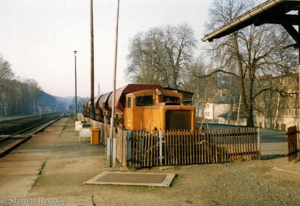 Arbeitszug der Bm Weida mit 311 678-7 (101 678-1) in Berga/Elster 1994