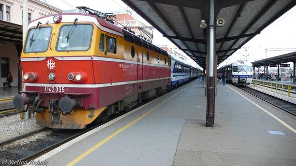"D 296 ""Lisinski"" in Zagreb ( diese Lok förderte vorher den D 414 ab Sid)"