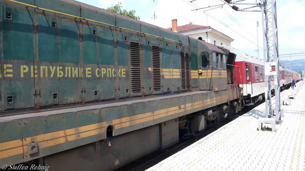 "B 490 ""Balkan Express"" im Grenzbahnhof Dimitrovgrad Jz (Juni 2007)"