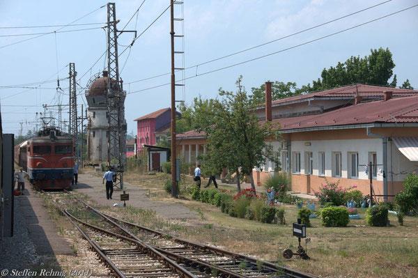 Planhalt im Bahnhof Šamac