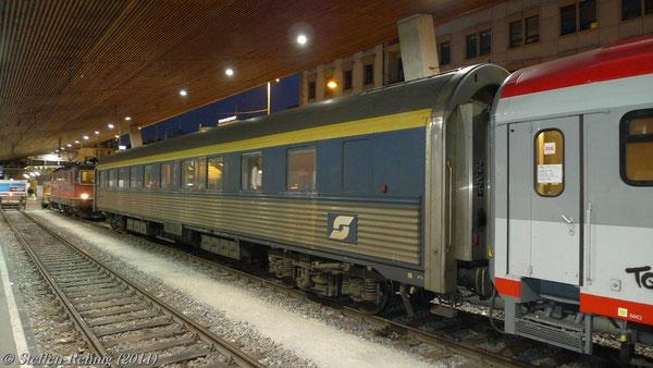 """ex. CIWL - Schlafwagen (ÖBB WLABmz61) 618170-70 010-7 (CIWL 4538) Zürich - Graz am EN 465 """"Zürichsee"""" in Zürich Hbf (März 2011)"""