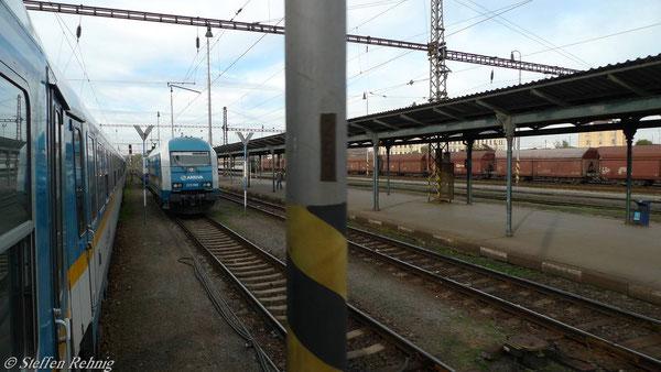 Ausfahrt aus Plzen, unsere alte Zuglok