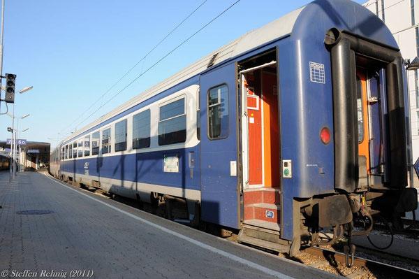 """1. Klasse Sitzwagen am D 347 """"DACIA"""" in Wien Westbahnhof (16. Juli 2011)"""