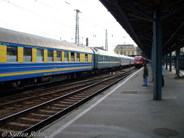 "Ausfahrt D 16 ""TISZA"" in Budapest Keleti (Juni 2006)"