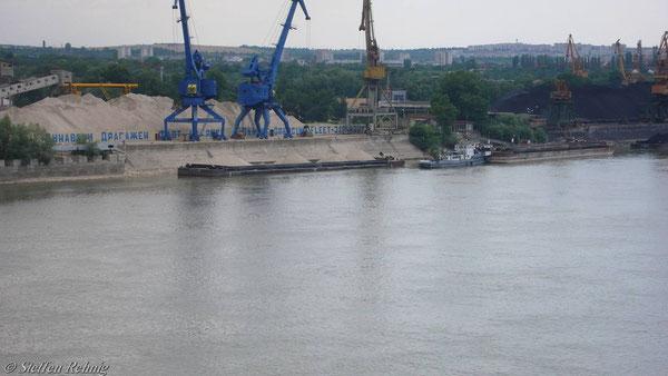 Blick auf die Bulgarische Donauseite ....