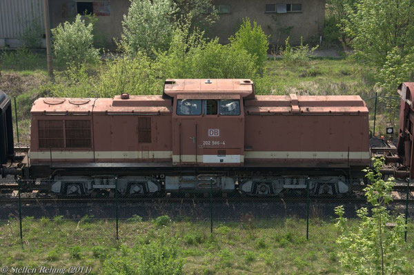 202 586-4 (ex. DR 110 586-5/112 586-3) in Espenhain (25. April 2011)