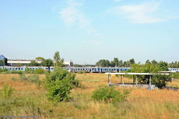 Abgestellte JZ BR 412 im Depot Zemun (17. Juli 2011)