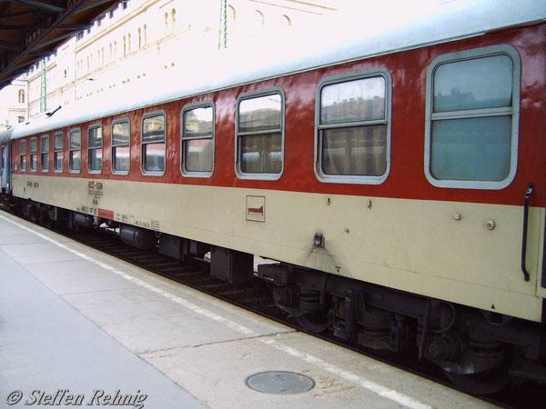 BDZ WLABe 51 52 70 30 502-9 in Budapest Keleti (April 2005)