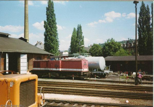 112 435-3 an der Tankstelle der Lokeinsatzstelle Greiz (September 1992)