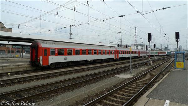 Bereitstellung des ALX 353 als geschobenene Rangierfahrt von der Abstellgruppe nach Gleis 9 in Nürnberg Hbf (14. April 2012)