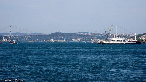 TCDD Fährschiff beim Trajektieren über den Bosporus (11.6.2007)