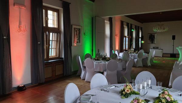 """Burg Restaurant Nideggen Rittersaal - Hochzeit mit Paket """"Ambientebeleuchtung"""""""