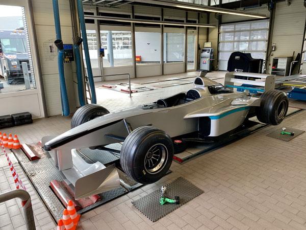 Formel 1 Reifenwechsel Simulator mieten