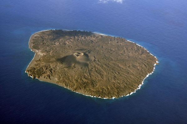 <西之島> 海域火山データベース 海上保安庁海洋情報部より