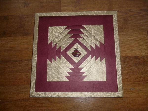 le passe partout de marlène cadre recouvert de papier or le sérac de la théière de bois