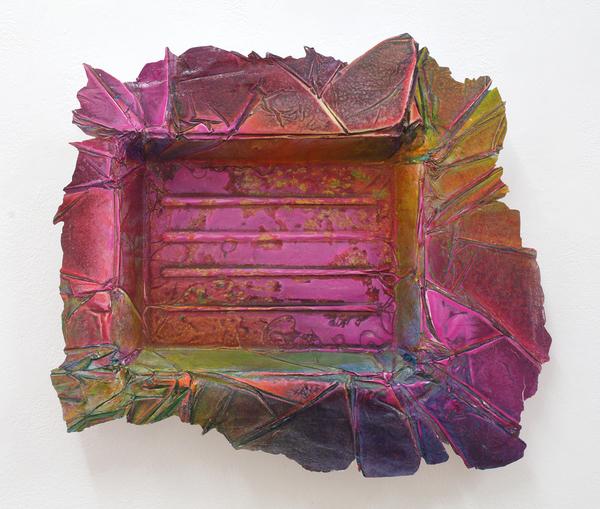 Enrico Niemann, Tiny Tray, ca. 30 x 40 x 5 cm, 2018  (Acrylfarbe, Papier)