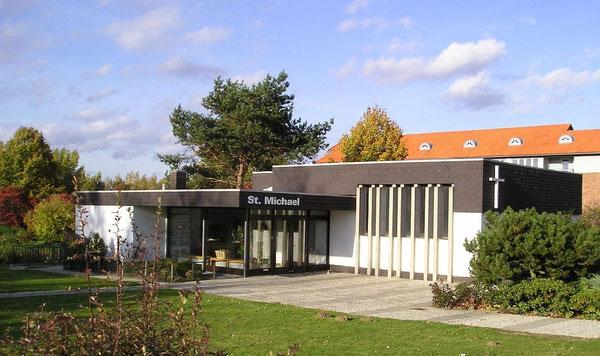Die St. Michaels-Kirche in Westhagen am Dresdner Ring