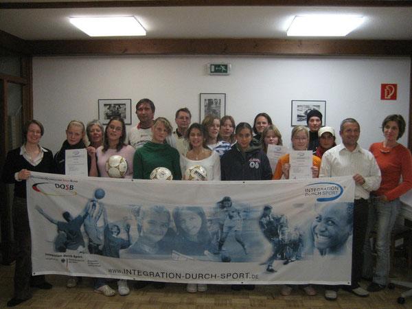 Bei einer Schulung in Göttingen werden die Teilnehmerinnen und Teilnehmer über die Westhagener Pausenliga informiert