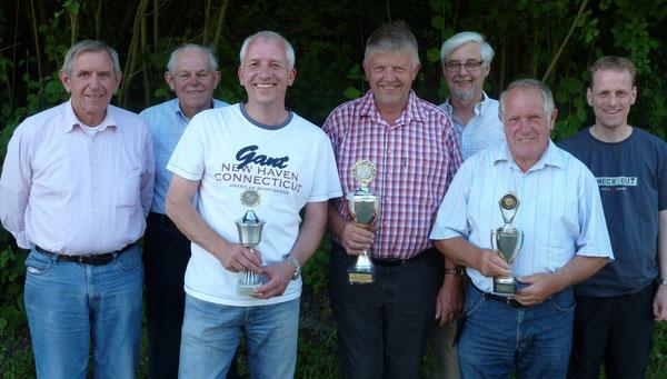 Sieger 2012 (v.l.): Hermann Schlief (2.RV-Meister), Stefan Löppenberg (Goldmedaille), Martin Stines (2.RV-Meister), Hans-Josef Tönsfeuerborn (1.RV-Meister), Günter Meuser (1.RV-Meister), Heinz Linckamp (3.RV-Meister), Peter Ehrens (Goldmedaille)