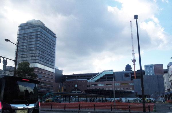 工事が進む大分駅前 (2014年12月)