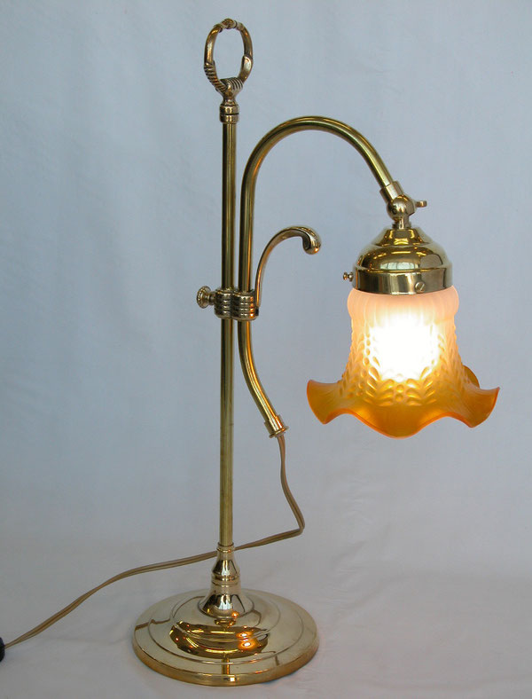 イタリア製テーブルランプ