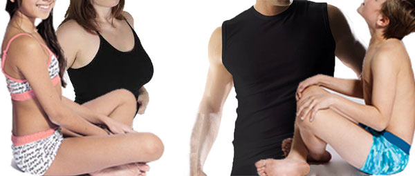 Familie in ondergoed. Vader, moerder, zoon en dochter. Man, vrouw, jongen en meisje. hemd, topje, ondergoed, boxershort en boxer