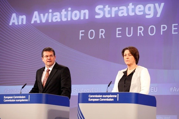 Maroš Šefčovič, Vice-President of the EC in charge of Energy Union, and Violeta Bulc, Member of the EC in charge of Transport presenting the EC's Aviation Strategy  -  courtesy EC