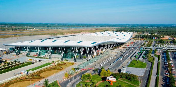 Bengaluru's Kempegowda International was the first airport in India to be constructed through a public-private partnership  /  source: BLR