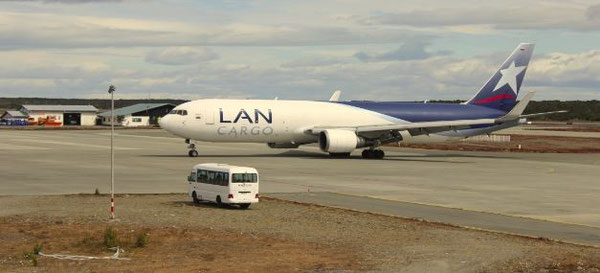 Accomplished the sheep project: LAN Cargo Boeing 767F at Punta Arenas Airport  -  pictures: courtesy LAN Cargo