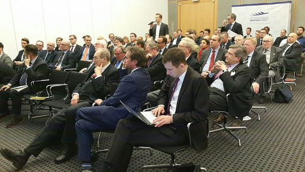 "Around 80 hand-picked guests attended the ""Air Freight meets Sea Freight"" event  -  picture: hs"